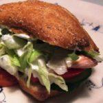Lakseburger med salat