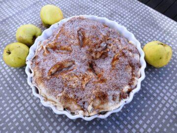 Amerikansk Apple pie i tærteform, før den kommer i ovnen