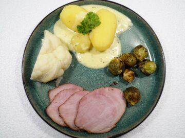 Bearnaisesauce grundopskrift med hamburgerryg, kartofler og rosenkål