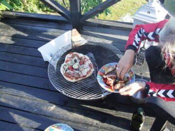 Bonfire pizza