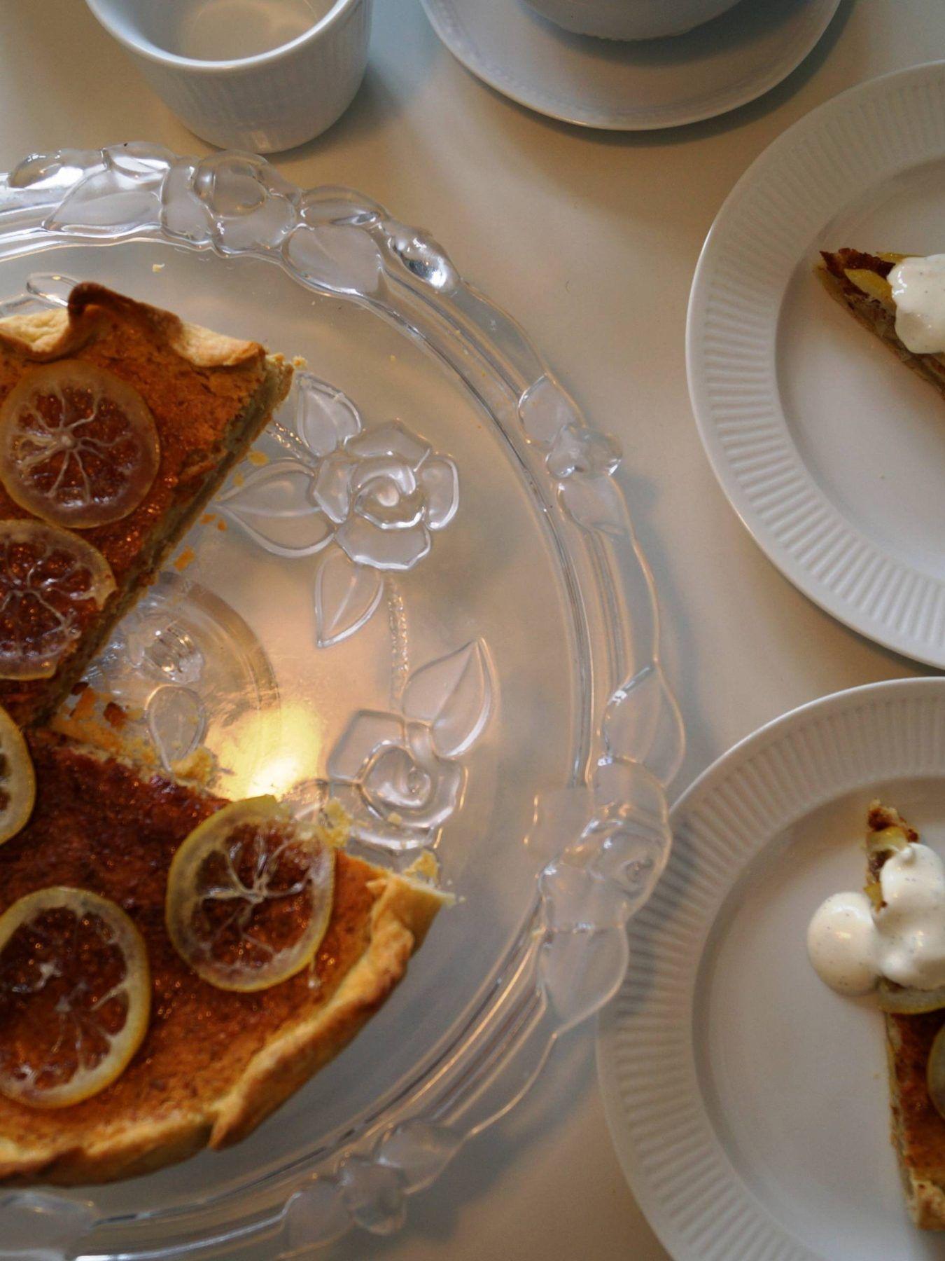 Citrontærte med vaniljecremefraiche