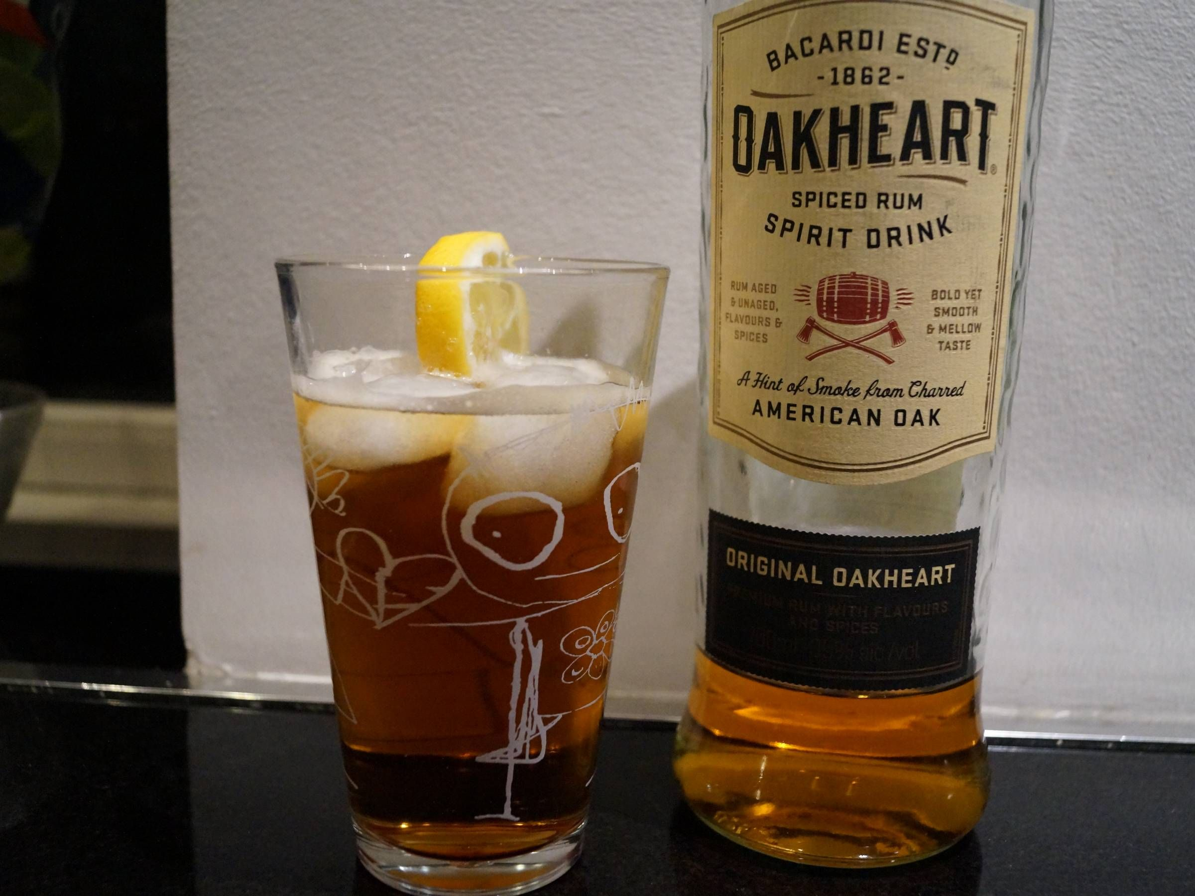 Dark 'n' Stormy drink