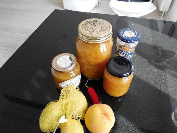 Ferskenmarmelade med citron og chili i sylteglas