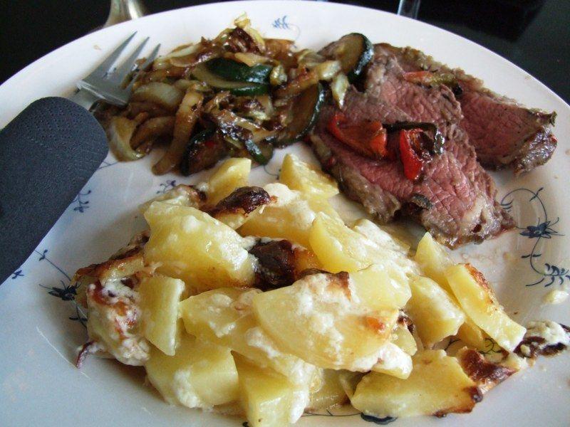 Flødekartofler med ostesauce