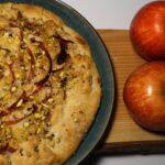 Fransk æblegalette med mandler og pistacienødder