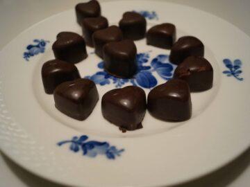 Fyldt chokolade med hindbærtrøffel