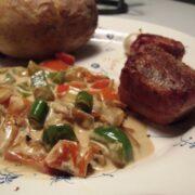 Fyldt kartoffel og kød