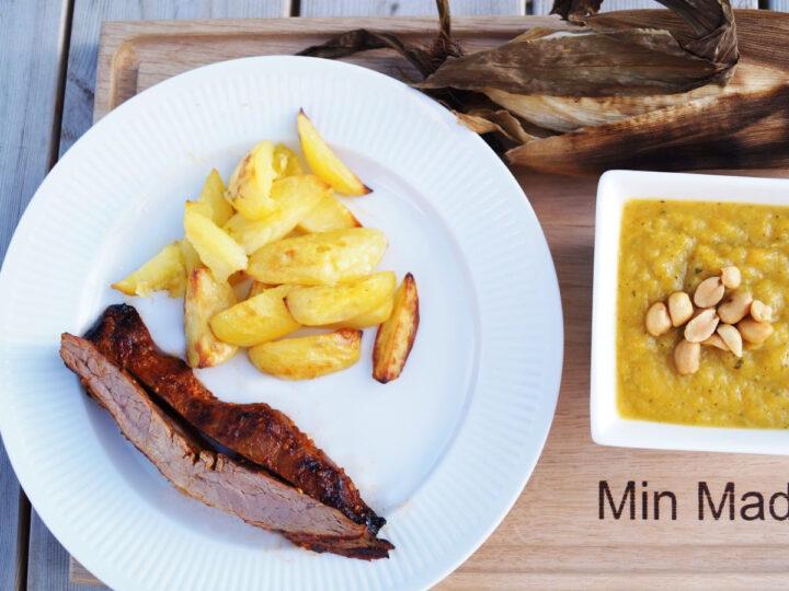 Grillet flanksteak med ovnkartofler og majs