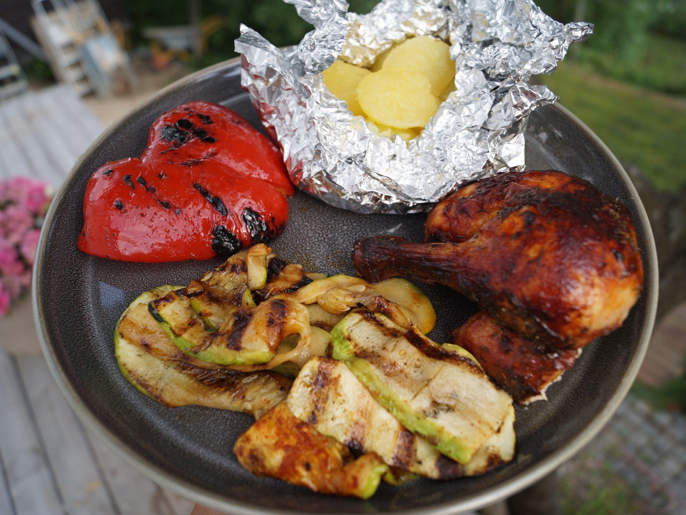 Grillet rød peber og squash