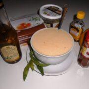 Hjemmelavet bearnaise sauce med alle ingredienser