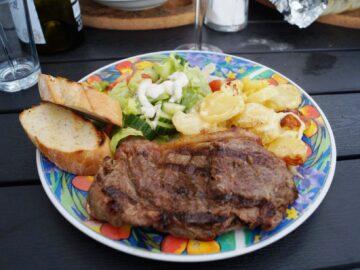 Højrebskotelet med fløde kartofler