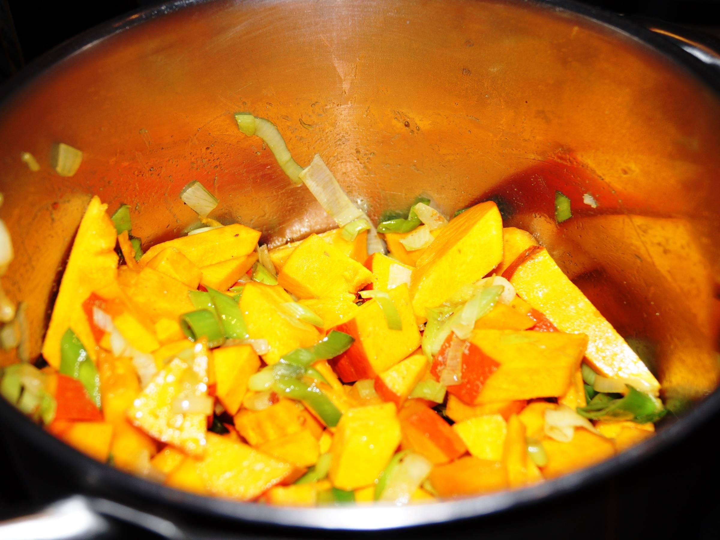 Hokkaido med grøntsager i gryde