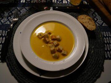 Hokkaidosuppe med croutoner