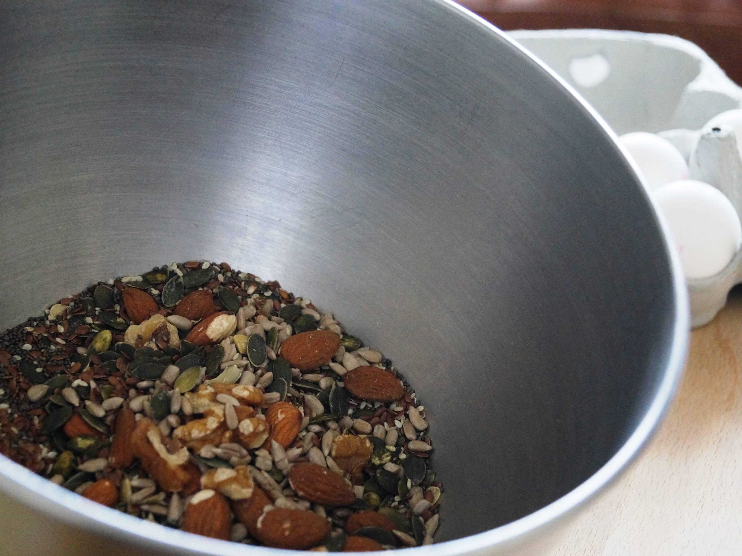 Ingredienser til stenalderbrød