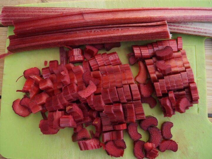 Jordbærrabarber til rabarbergrød og kager