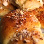 Kærnemælkshorn med nødder