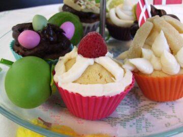 Kagefad med cupcakes
