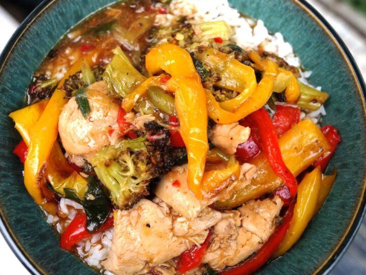 Kung pao chicken med ris og hoisin sauce