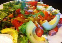 Lækker salat med friske jordbær