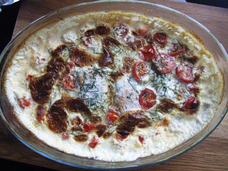 Laks i tomat og flødesauce
