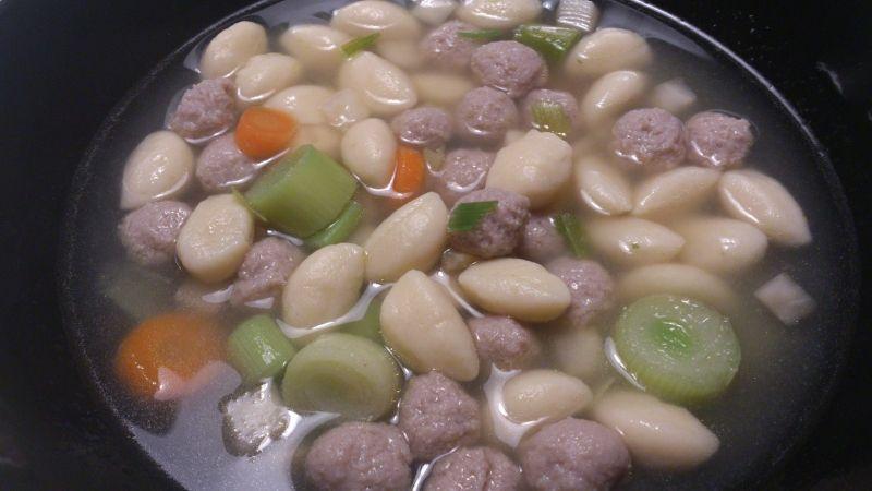 Oksekødsuppe