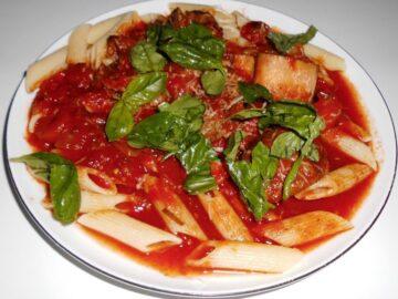 Osso Buco med pasta penne og tomatsauce