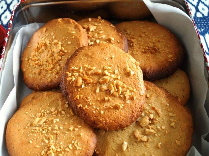 Peanut cookies uden chokolade i kagedåse