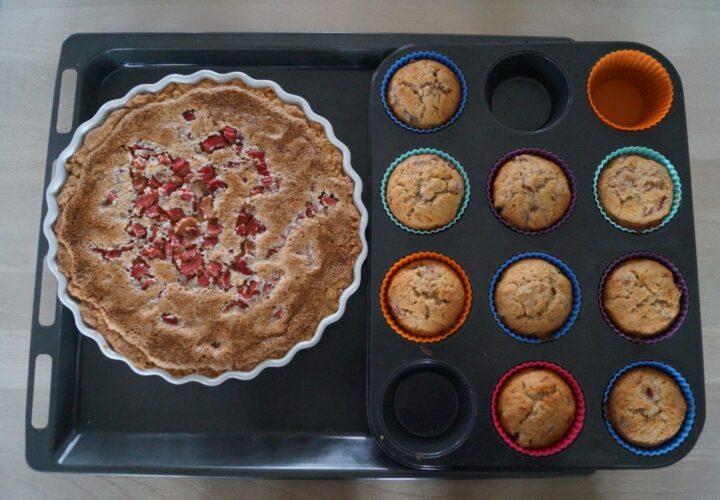 Rabarbertærte og rabarbercupcakes
