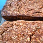 Rugbrød med surdej bagt i ovn