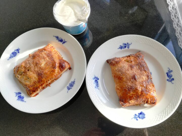 Små æbletærter med cremefraiche