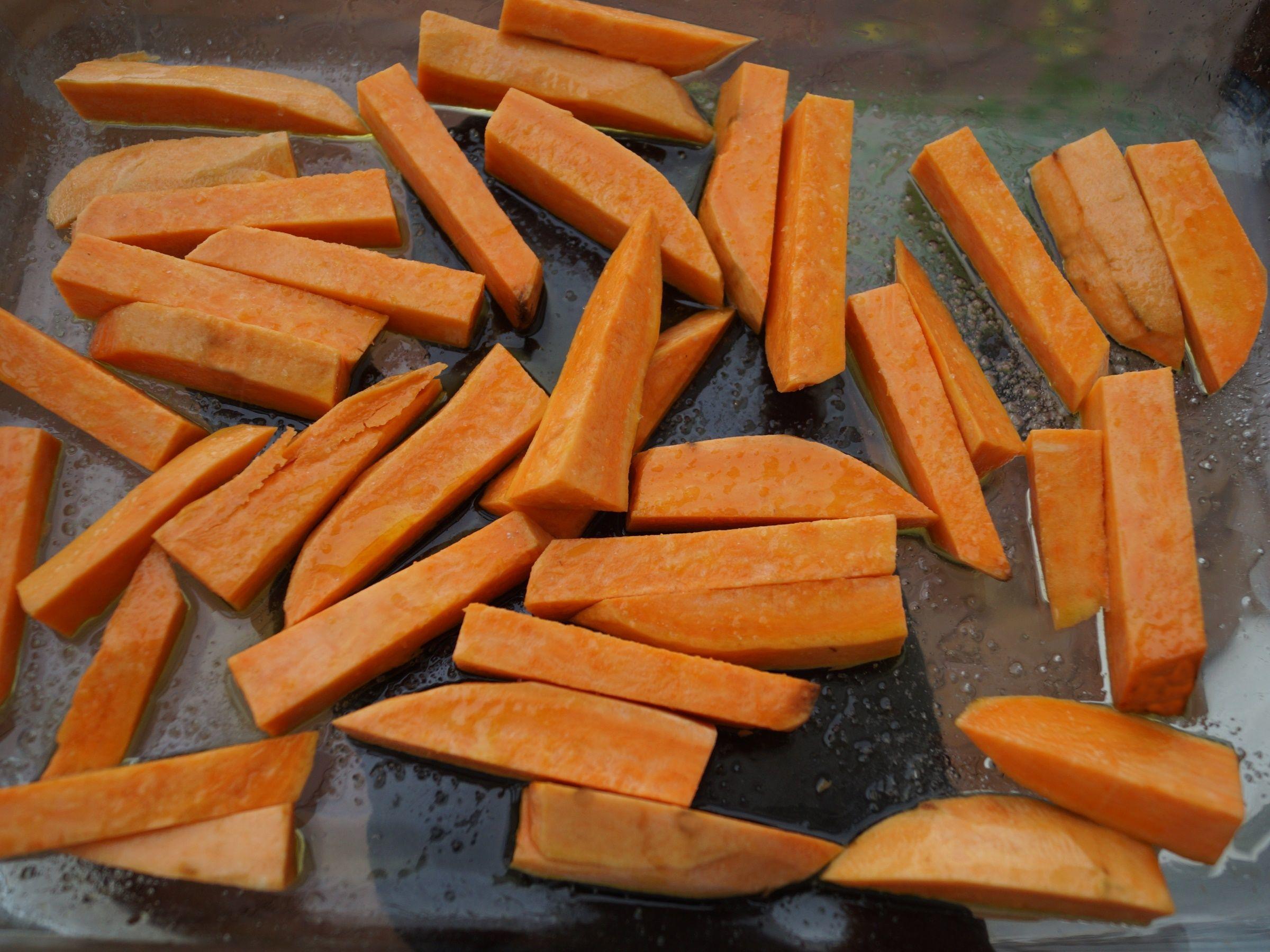 Sødkartoffel skåret ud i fritter
