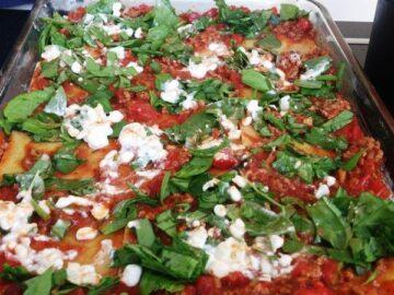 Spinatlasagne med frisk spinat og hytteost
