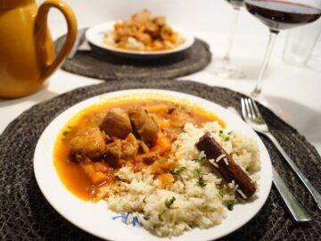 Stifado med kylling og ris